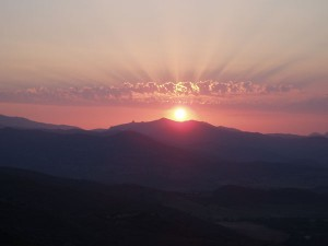 Coucher de soleil sur le massif de Tenda vue depuis la maison