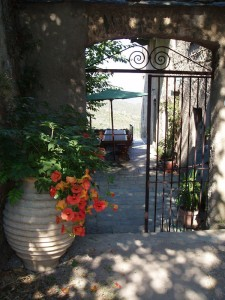 Le portail d'entrée de la maison