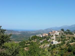 le village de Vallecalle avec la vue sur le golfe de St Florent